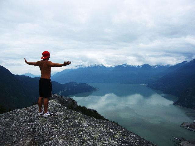 how to get to stawamus chief from vancouver