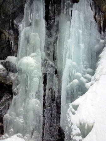 Ice on the mountains along the Snowshoe Grind trail
