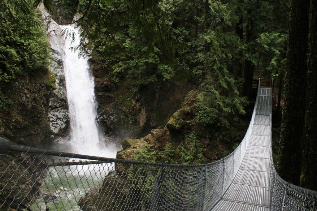 Cascade Falls Waterfall and Suspension Bridge