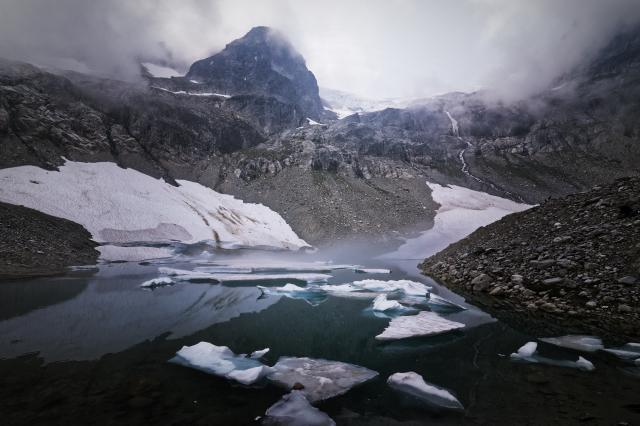Iceberg Lake Photo | Hiking Photo Contest | Vancouver Trails