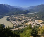 A view looking down at the town of Hope and the Fraser River from the Hope Lookout